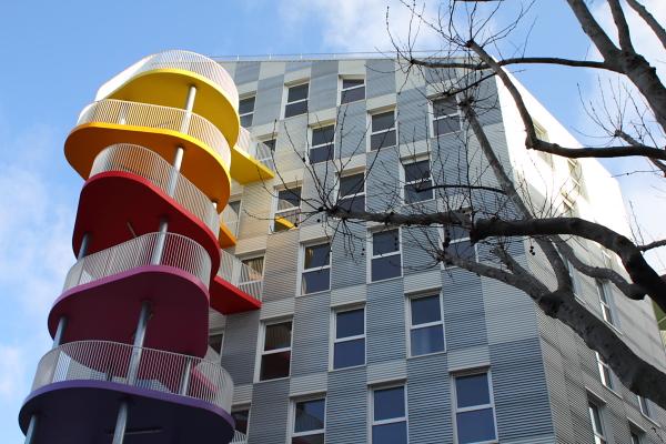 Logements (Raphaëlle Hondelatte & Mathieu Laporte), rue Rebière, Paris. Photo © 2012 Alan Miller.