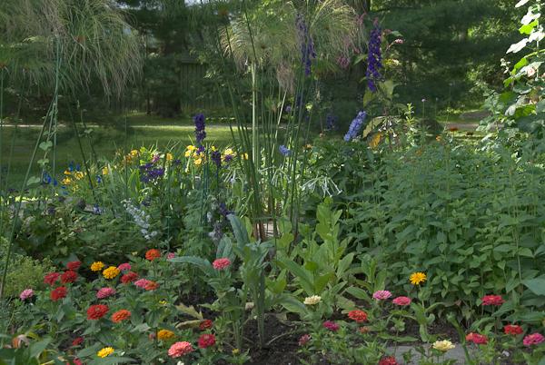 Tanglewood: The Highwood Garden. Photo © 2009 Michael Miller.
