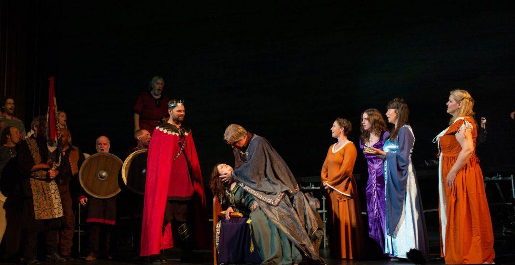 Tristan und Isolde, Cast. Photo Jeff Lewis.