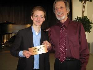 "Shank and Wade with first prize ""check."" Photo © 2010 Nancy Salz. Photo © 2010 Nancy Salz."