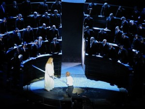 Parsifal (Christopher Ventris) and Amfortas (Detlef Roth) before the Bundestag in Act III. Photo Enrico Nawrath.
