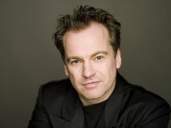 Jonathan Nott Conducts the Sydney Symphony in Brahms, Brett Dean and Schubert