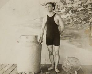 Houdini with Milk Can, photo by Bill Orcutt, 1908. Courtesy of Fantasma Magic Shop, New York, www.fantasmamagic.com.