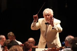 Christoph von Dohnanyi leading the BSO on Tanglewood Opening Night. Photo Hilary Scott.