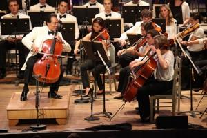 Yo Yo Ma with the Tanglewood Music Center Orchestra. Photo Hilary Scott.