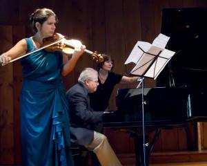 Pamela Frank and Emanuel Ax play Brahms. Photo Leslie Teicholz.