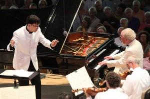 Gerhard Oppitz Plays Mozart's C Minor Piano Concerto, K. 491, Ken-David Masur Conducting the BSO. Photo Hilary Scott.