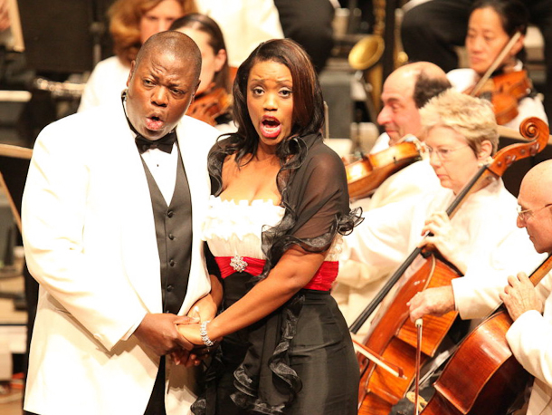 Laquita Mitchell as Bess and Alfred Walker as Porgy in the Tanglewood performance of Porgy and Bess. Photo Hilary Scott.