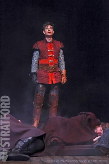Aaron Krohn as King Henry V. Photo by David Hou.