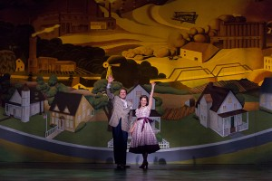 Dwayne Croft and Elizabeth Futral in The Music Man, Finale. Photo Karli Cadel.