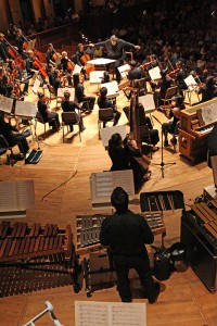 Oliver Knussen conducts fellows of the Tanglewood Music Center in Castiglioni's Inverno In-Ver. Photo Hilary Scott.