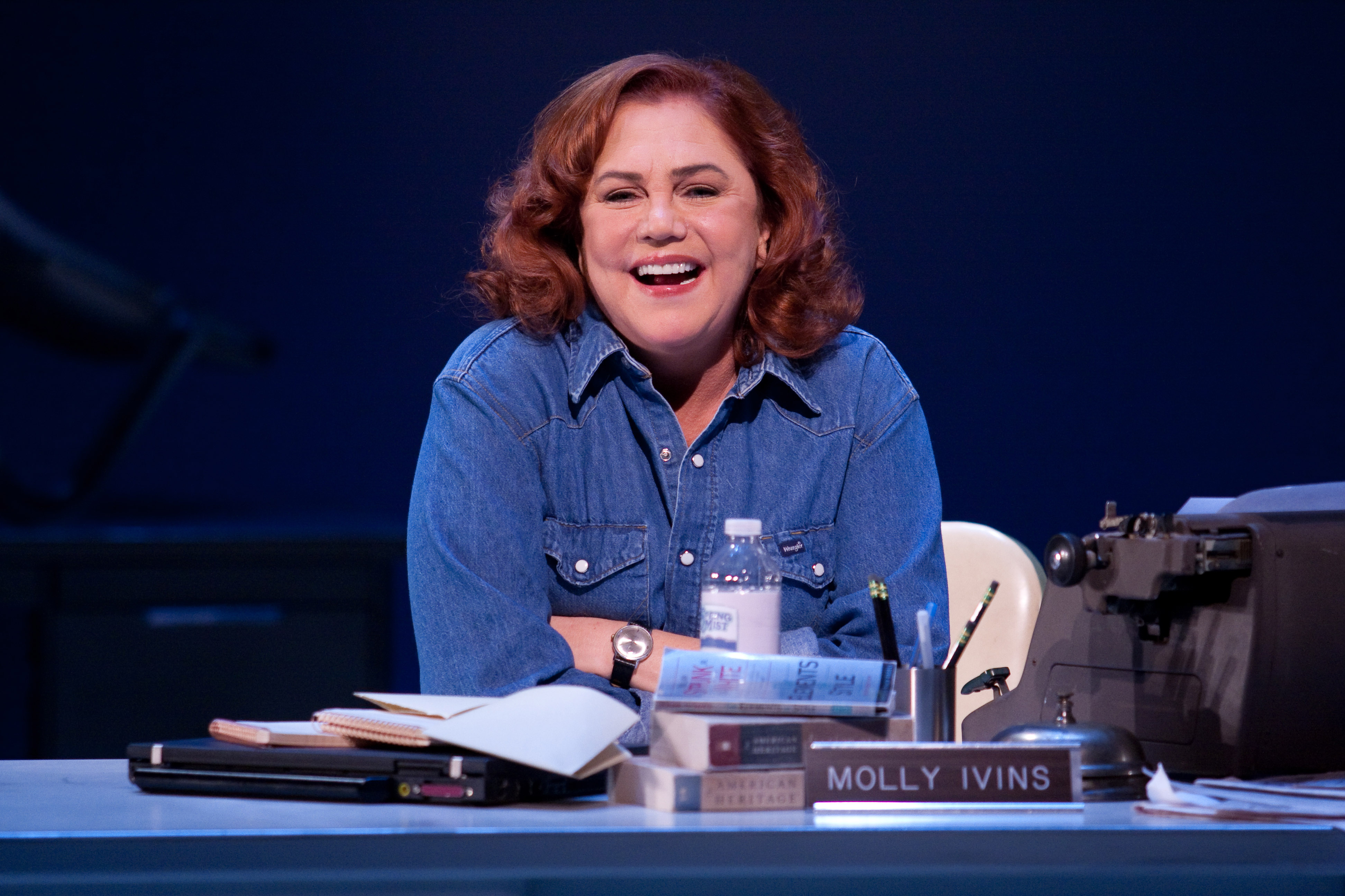 Kathleen Turner in Philadelphia Theatre Company's production of Red Hot Patriot: The Kick-Ass Wit of Molly Ivins. Photo by Mark Garvin.