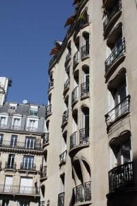 Immeuble, 19 rue La Fontaine (1909-11). Photo © 2012 Alan Miller.