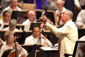 Rafael Frubeck de Burgos leading the Boston Symphony Orchestra. Photo by Hilary Scott.