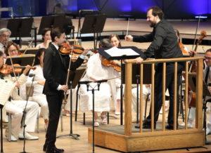 Daniel Lozakovich performs with Andris Nelsons and the Boston Symphony. Photo Hilary Scott.