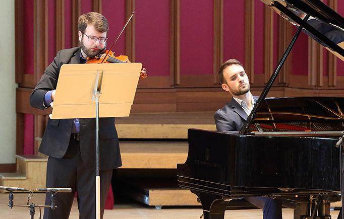 Jacob Schafer and Daniel Zelibor perform Oliver Knussen's Reflection at Seiji Ozawa Hall at Tanglewood 7.29.18. Photo Hilary Scott.