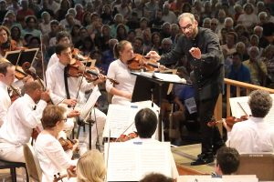 Dima Slobodeniouk leads the BSO in Sibelius' Symphony No. 1. Photo Hilary Scott.